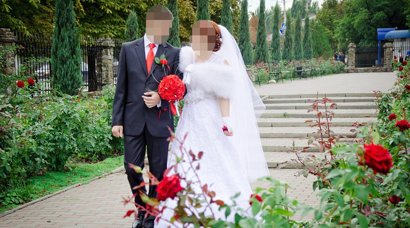 He discovered that his wife was a man after reading that there are no 20-centimeter clitoris